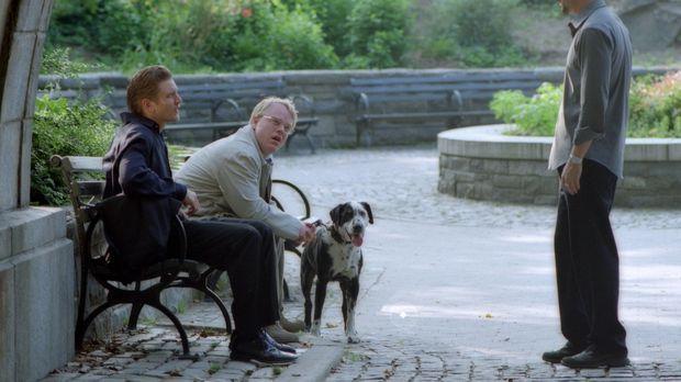 Mit seinen beiden besten Freunden, dem Wall-Street-Broker Frank (Barry Pepper...