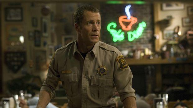 Carter (Colin Ferguson) kann sich nicht daran gewöhnen, dass seine Tochter la...