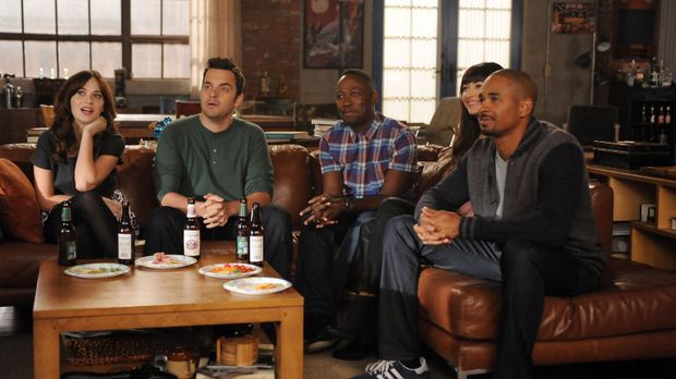 New Girl - Noch ahnen Jess (Zooey Deschanel, l.), Nick (Jake Johnson, 2.v.l.)...