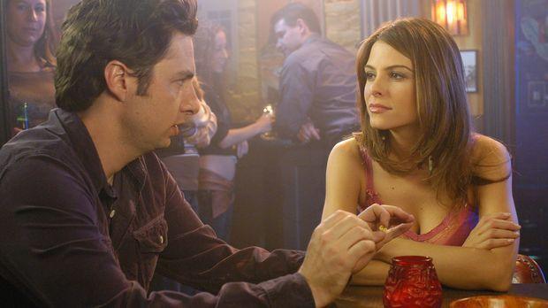 J.D. (Zach Braff, l.) hat Bekanntschaft mit Tamara (Maria Menounos, r.) gemac...