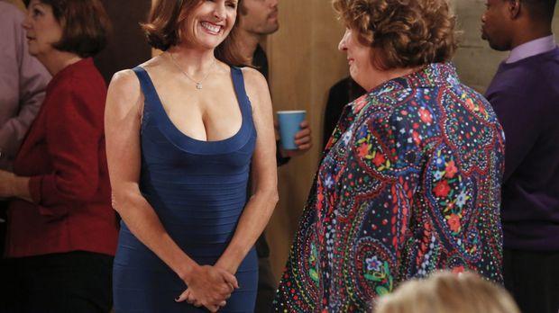 In Carols ehemaliger Schule wird Pam (Molly Shannon, l.), eine Lehrerin, vera...