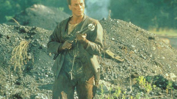 Getrieben von Rachegefühlen macht sich Gibson (Jean-Claude Van Damme) auf die...