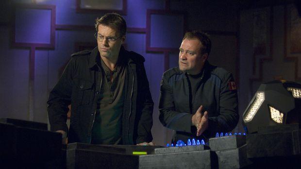 Nachdem Dr. Daniel Jackson (Michael Shanks, l.) und McKay (David Hewlett, r.)...