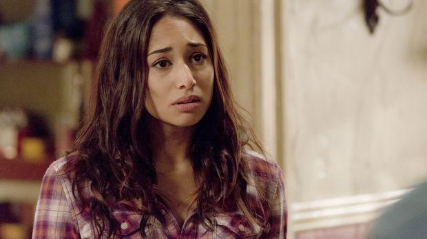 Als Sally (Meaghan Rath) bemerkt, dass sie in der Vergangenheit gefangen ist,...