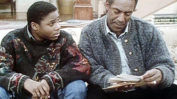 Cliff (Bill Cosby, r.) weist Theo (Malcolm-Jamal Warner, l.) darauf hin, dass...