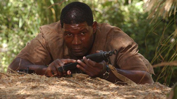 Jonas (Dennis Haysbert) wird alleine auf einen Einsatz nach Indonesien geschi...