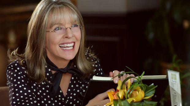 Daphne Wilder (Diane Keaton) ist die quirlige Mutter dreier Töchter, von dene...