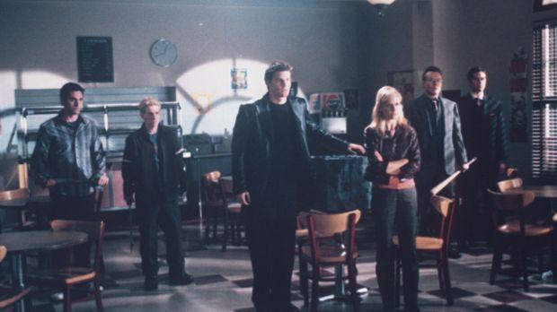 (v.l.n.r.) Xander (Nicholas Brendon), Oz (Seth Green), Angel (David Boreanaz)...