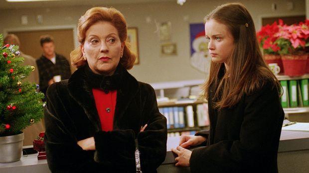 Nachdem Lorelei sich sowohl mit Emily (Kelly Bishop, l.), als auch mit Rory (...