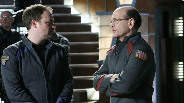 Als in Atlantis merkwürdige Dinge geschehen, erkennen McKay (David Hewlett, l...