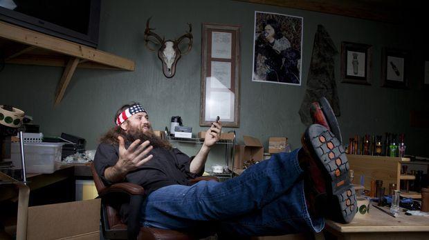 Als eine große Bestellung reinkommt, macht Willie (Willie Robertson) seinen G...