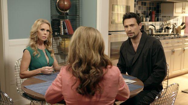 George (Jeremy Sisto, r.) und Dallas (Cheryl Hines, l.) überlegen wie sie den...