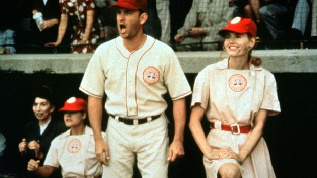 Ex-Baseball-Profi Jimmy Dugan (Tom Hanks, l.) und seine Starspielerin Dottie...