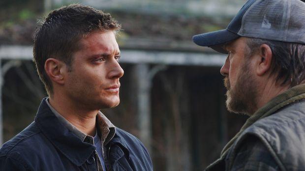 30 Stunden bevor Deans (Jensen Ackles, l.) Deal endet, suchen die Winchesters...