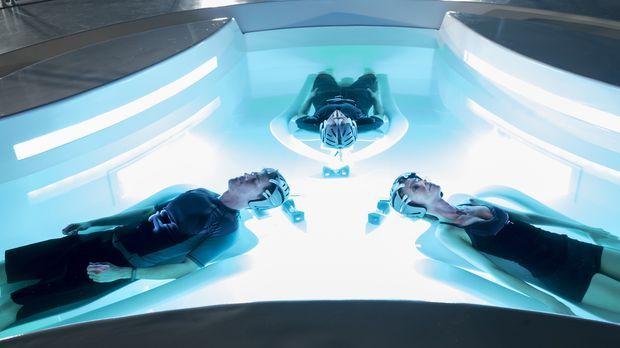 Als (v.l.n.r.) Arthur (Nick Zano), Dash (Stark Sands) und Agatha (Laura Regan...
