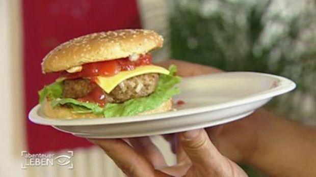 Rindfleisch-Burger mit getrockneten Tomaten