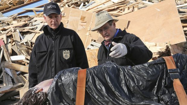 Als die Leiche von Alessandra Ramos, eine Matrosin der US Navy, tot aufgefund...