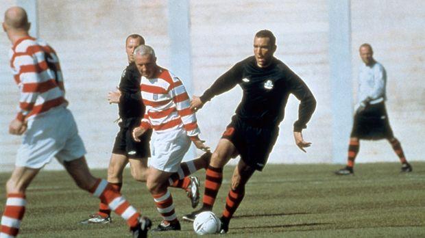Selbst im Gefängnis beherrscht der Fußball sein Leben: Danny Meehan (Vinnie J...