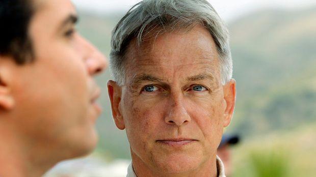 Gibbs (Mark Harmon, r.) wird erneut mit seiner Vergangenheit konfrontiert und...