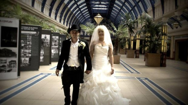 Für seine Braut hat sich Mike etwas ganz Besonderes ausgedacht ... © Renegade...