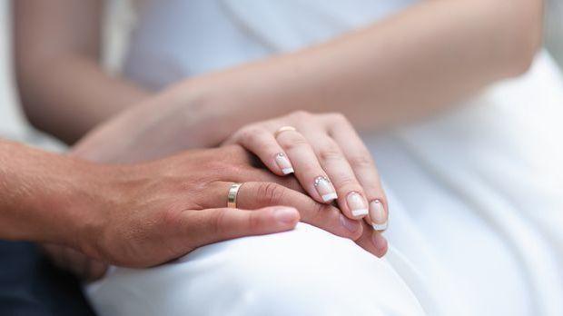 Gepflegte Hochzeitsnägel sind am Tag der Hochzeit Pflicht! Immerhin stehen di...