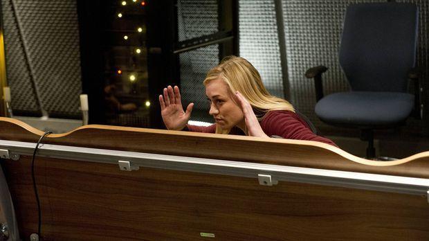 Kate (Yvonne Strahovski) schwant, dass Jack kein Terrorist ist. Kann sie ihm...