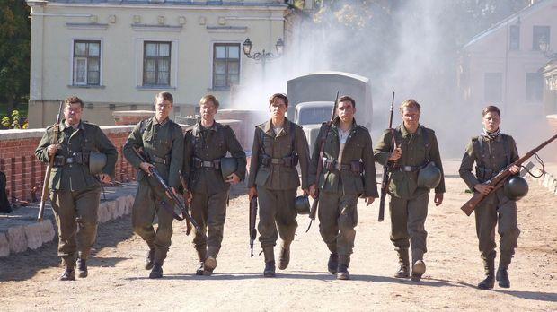 Himmelfahrtskommando: Sieben blutjunge Schüler erhalten den militärisch völli...