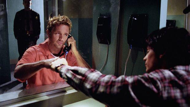 Der korrupte Polizist Sam Phelan lässt aus Rache Jonathan Kent (John Schneide...