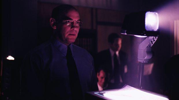 Erlebt eine Überraschung: Skinner (Mitch Pileggi) © TM +   2000 Twentieth Cen...
