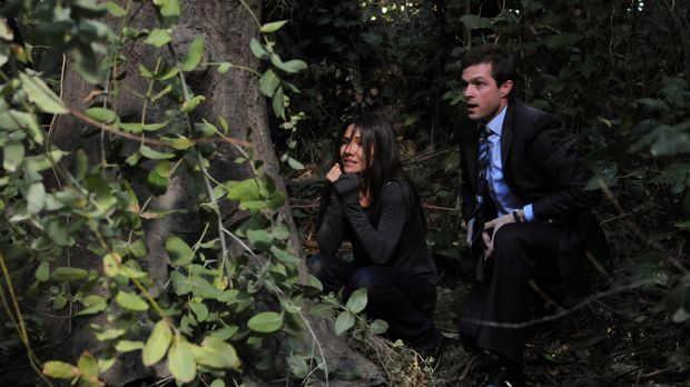 In letzter Sekunde gelingt es Martin (Eric Close, r.), Kim (Vanessa Marcil, l...