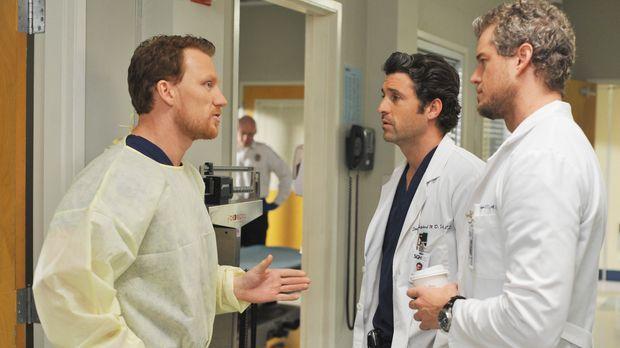 Marc (Eric Dane, r.) und Derek (Patrick Dempsey, M.) lernen ihren neuen Kolle...