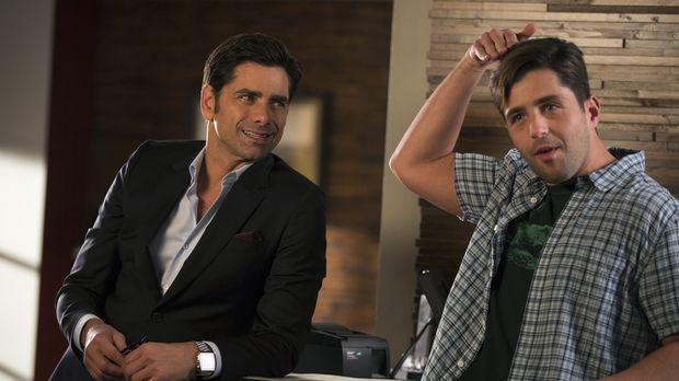 Als Jimmy (John Stamos, l.) feststellt, dass sich Gerald (Josh Peck, r.) als...