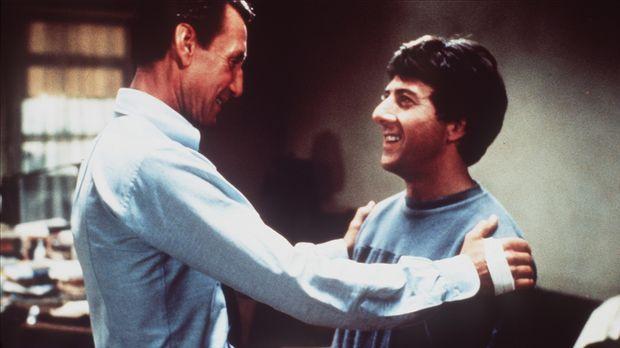 Der CIA-Agent Doc Levy (Roy Scheider, l.) besucht seinen jüngeren Bruder Babe...