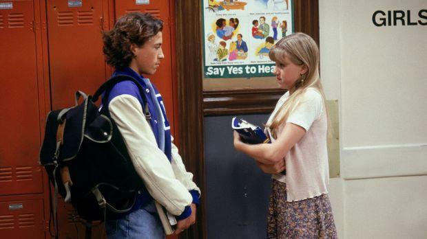Als Ryan (Andrew Keegan, l.) Stephanie (Jodie Sweetin, r.) zu einem Date einl...