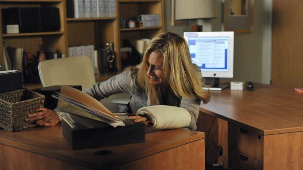 Charlotte (KaDee Strickland) versucht mit den emotionalen Auswirkungen der Ve...