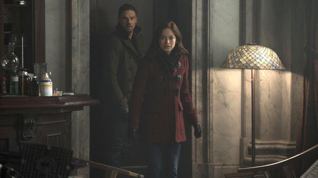 Vincent (Jay Ryan, l.) und Cat (Kristin Kreuk, r.) müssen erkennen, dass sie...