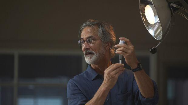Wie weit will Dr. Rosen (David Strathairn) gehen, um den Tod seiner Tochter z...