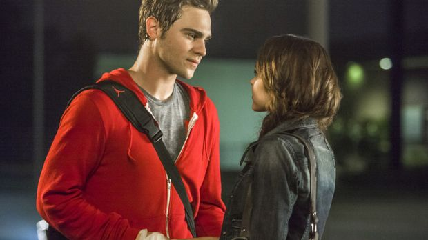Wird Emery (Aimeé Teegarden, r.) Grayson (Grey Damon, l.) vergeben können, na...