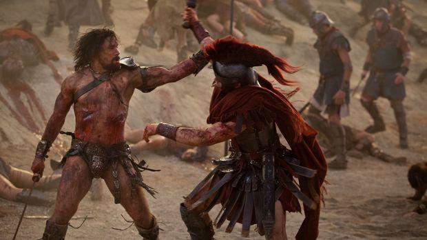 Mit vielen Kämpfern zieht Crixus (Manu Bennett, l.) bis vor die Tore Roms. Do...