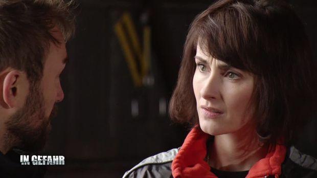 In Gefahr - In Gefahr - Ein Verhängnisvoller Moment - Staffel 3 Episode 26: Tina - Um Ein Haar
