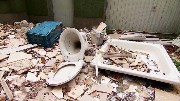 Achtung Kontrolle - Mittwoch: Müllhalde Im Hinterhof