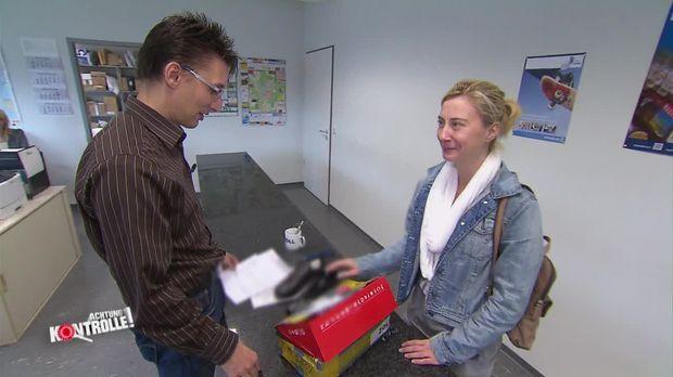 Achtung Kontrolle - Dienstag: Ahnungslose Frau Erlebt Böse überraschung